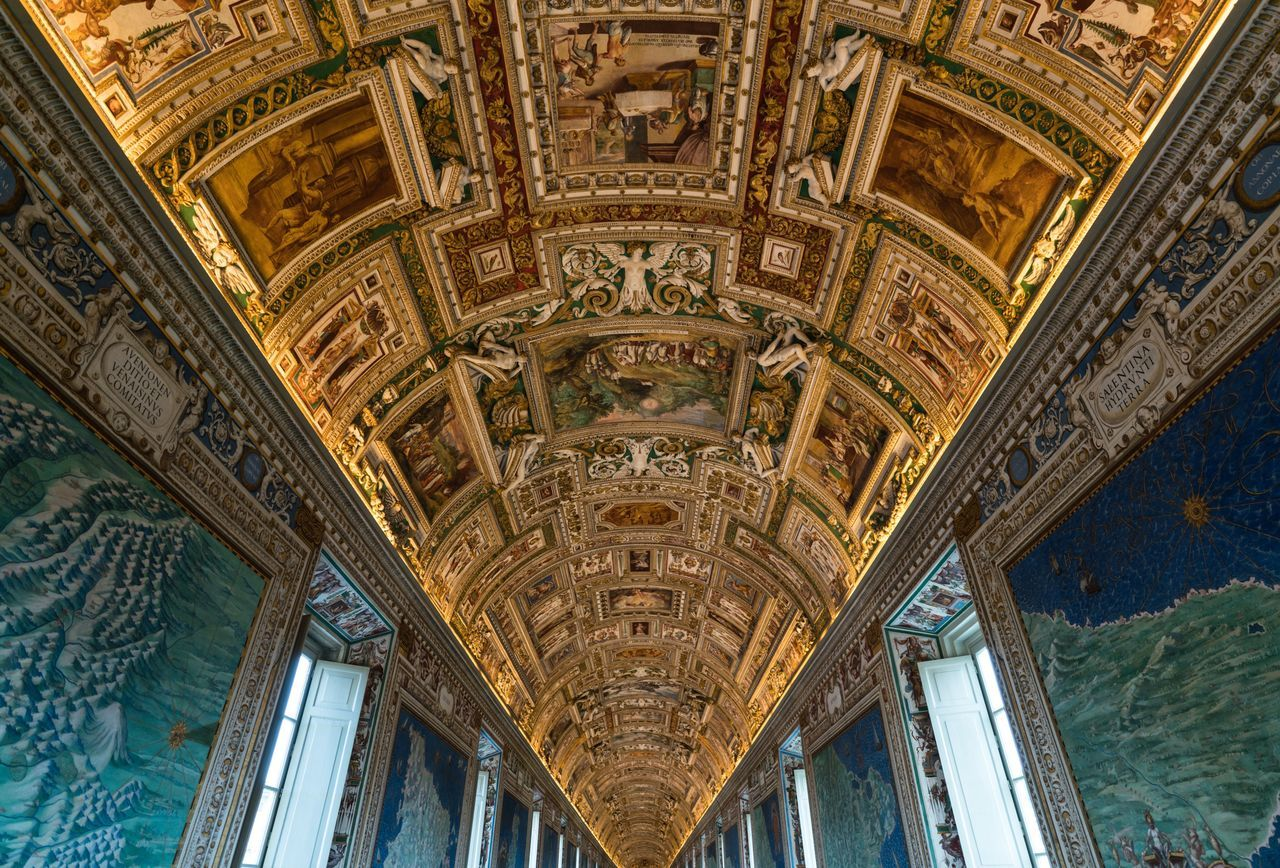 Endlessly. Art And Craft Ceiling Low Angle View Architecture Indoors  History Built Structure Architecture And Art Vatican VaticanCity Vaticano Vatican City Vatican Museum Musei Vaticani Bella Italia Italia Italy❤️ Rome Italy Museum Art Lookingup Travel Photography Traveling Travel Architecture_collection