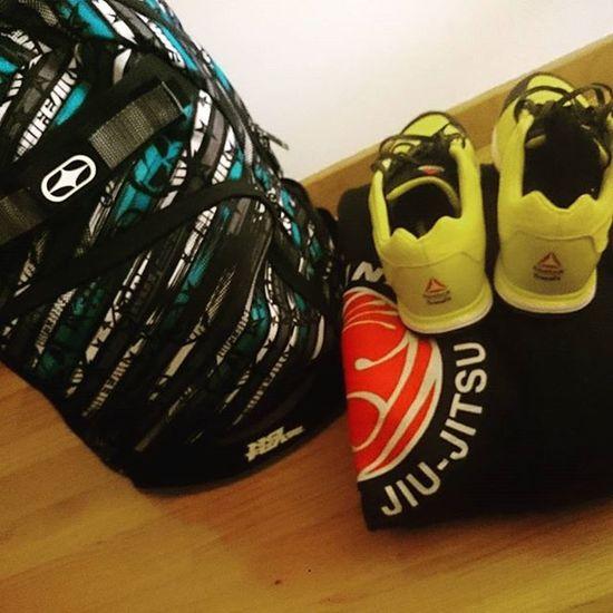 Let's Go training!! 💪💪 Trainingismental Pressandpullpts NOSTOP Bjj JiuJitsu Crossfit Traininghard Amrap Workout