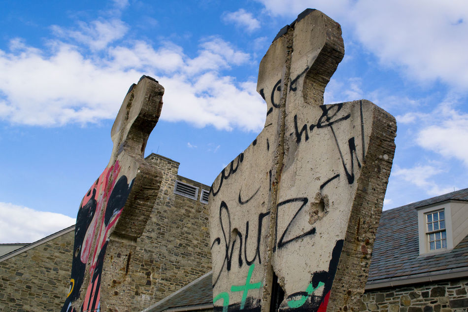 Architecture Berlin Wall Berlin Wall Sculpture Built Structure Carving FDR State Park Graffiti History Low Angle View Outdoors Peace Sculpture Sky Weathered