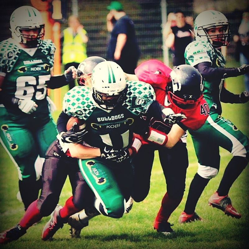 American Football - Sport American Football Player Teamwork Cooperation Motivation Outdoors People American Football Team Women Sports Fight Team Action Photography In Motion ♡ Love Hit Defense Hobby Football Is Family Bielefeld