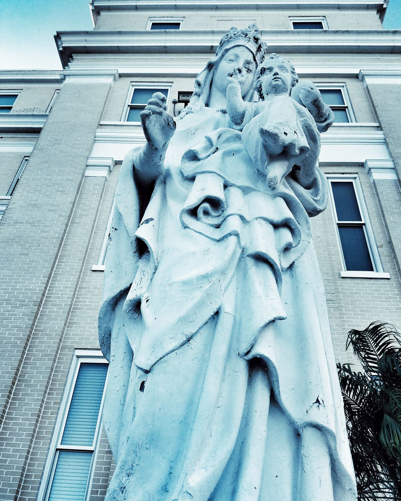 Sculpture Art And Craft Low Angle View Statue Human Representation No People Architecture Building Exterior Close-up Built Structure Outdoors Day