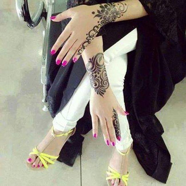 Beautiful Henna Tatto Nails Done Abaya And Heels