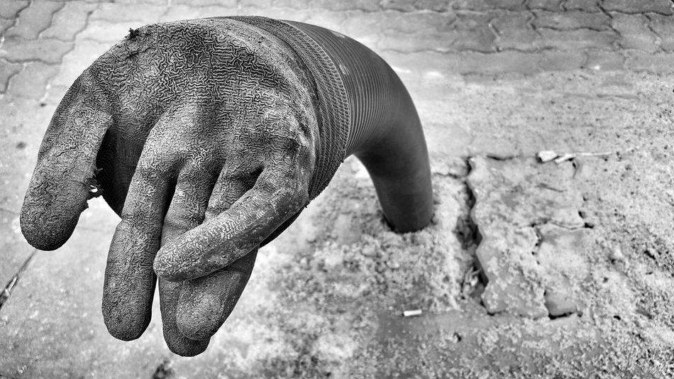 Monochrome Photography Art ArtWork Art Installation Hand Glove Plastic Tube Street Streetphotography Streetart Streetphoto_bw Bnw Bnw_collection Bnw_city Highfivearoundtheworld Highfivesallaround Highfive
