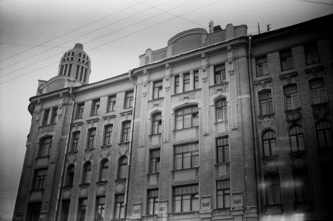 Built Structure Architecture Building Exterior Window Low Angle View Cable Power Cable Outdoors City Life Streets Monochrome Photgraphy FiftyShadesOfGrey Monochrome Grayscale 50shadesofgrey Blackandwhite Black And White Facades Saintpetersburg Anticolors Façade Doublecolors Shadow Building Residential Building
