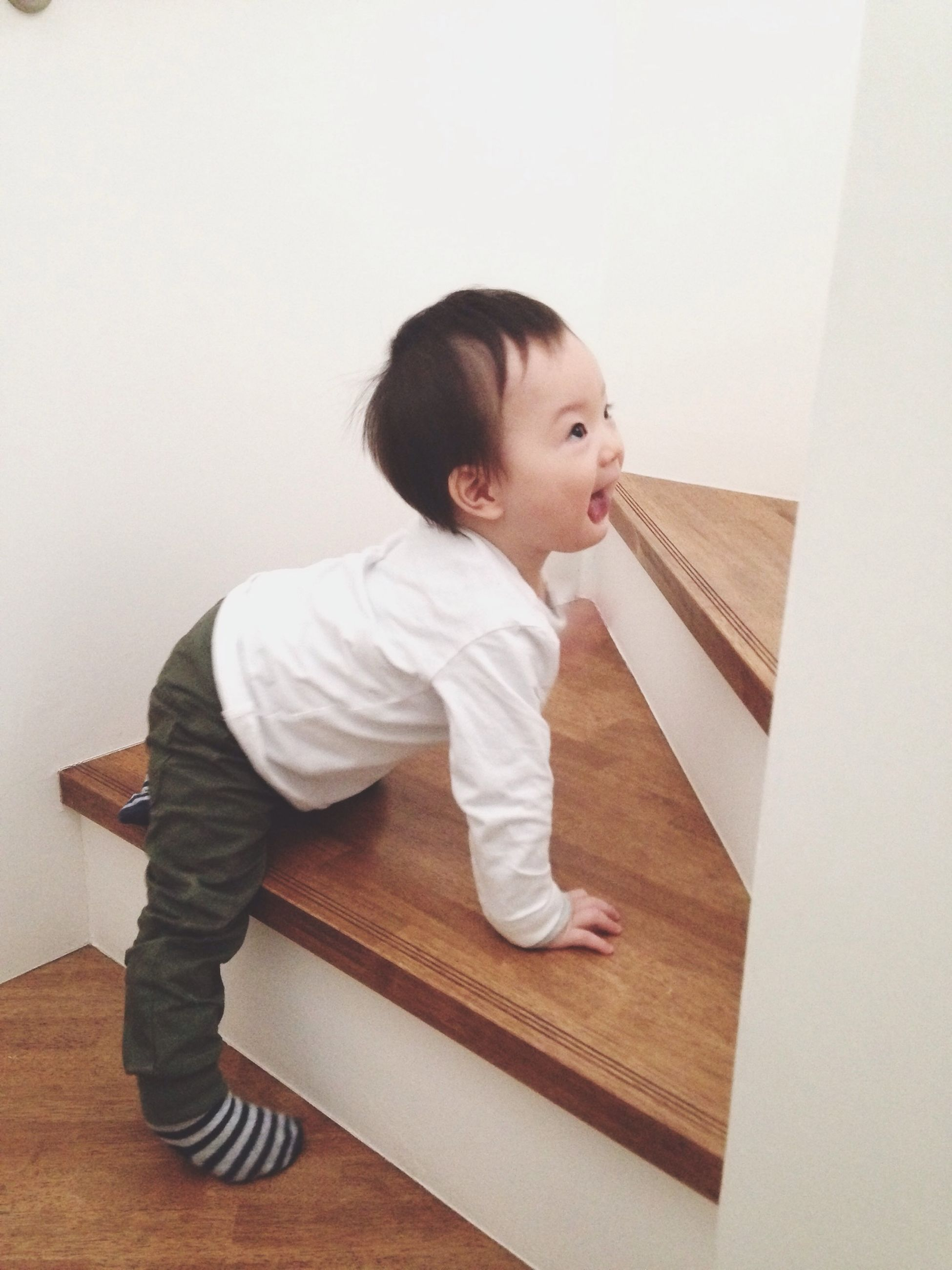 childhood, elementary age, innocence, person, cute, full length, indoors, casual clothing, boys, girls, lifestyles, leisure activity, toddler, high angle view, home interior, front view, baby, three quarter length