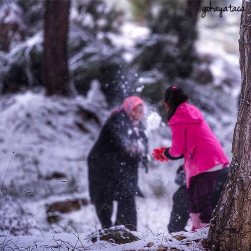 Everyday Joy Relaxing Hello World Hdr_Collection Snow Fun Holiday Smile People Snowball