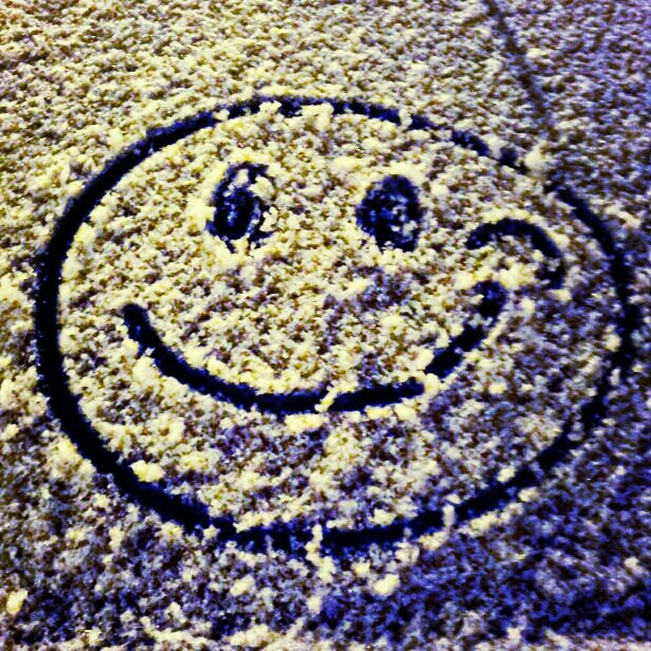 keep that smile on your face ... Fool ! Smile Drawing Snow Funny Smiley Face Keep That Smile On Your Face Streetphotography