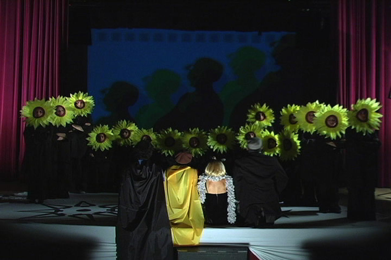 Actresses Adult Filmmaker Flower Indoors  Performance Art Stage Stage - Performance Space Theater Togetherness