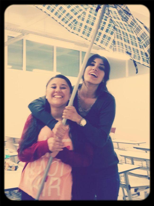 Friends Free Smile :) Umbrella #biyokimya #bossinif #siziseviyorum :*