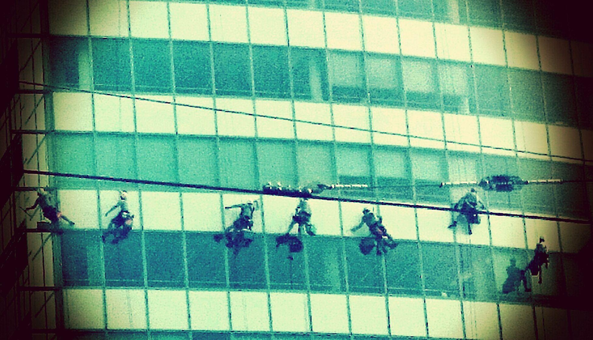 Working Climbing Guys Coca Cola Light :-)