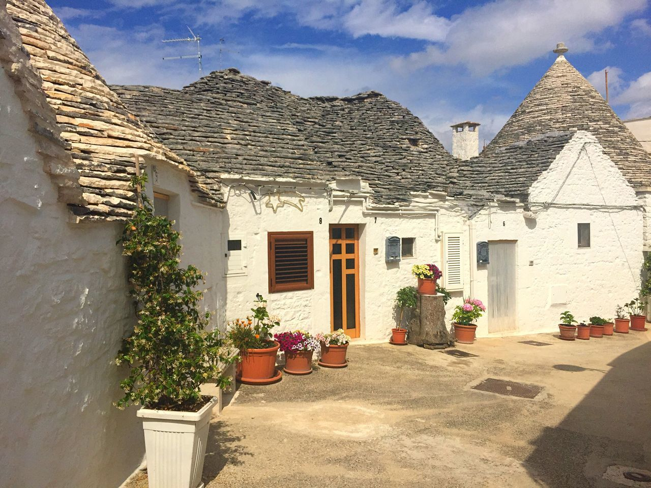 Travelling Travel Photography Italy Holidays Trulli Buildings Vilage Vilage House Historical Building Unesco World Heritage Architecture Exterior Design White Buildings Outside