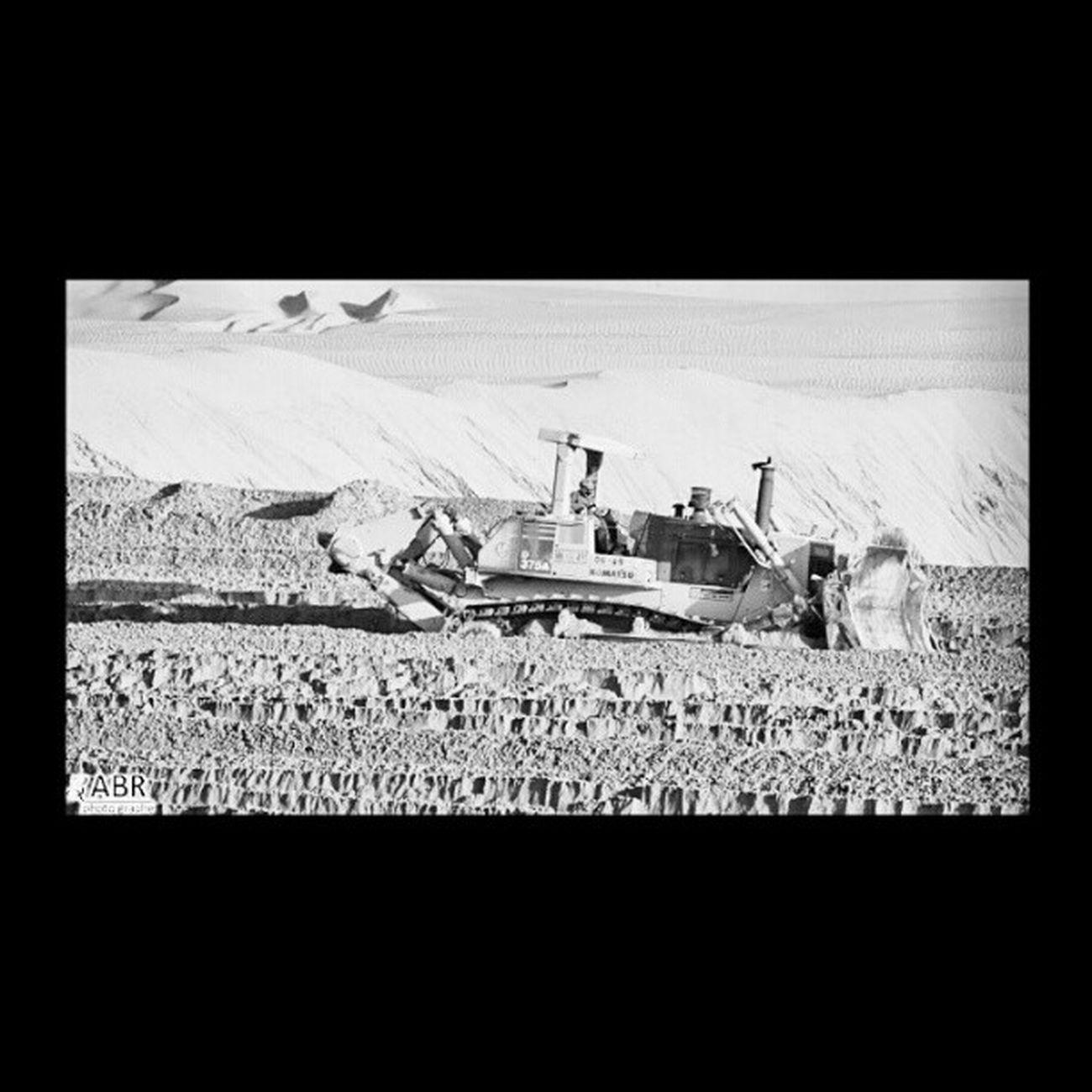 صورة تمهيد سكة القطار شمال الربيعية شركة الاومير بلدوزر كاتبيلر القصيم المملكة العربية السعودية تصوير كانون 50d ksa Boot image northern railway company spring Alomir Bulldozer catebalr Qassim Saudi Arabia imaging Canon 50d ksa