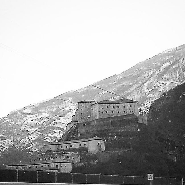 Forte di Bard in Biancoenero Blackandwhite Valledaosta Valle d' Aosta Ig_vda Vda
