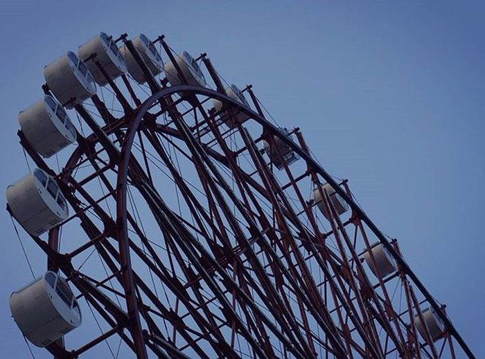 センター終わって今日から2次対策が始まりました。推薦で受かった人も高校入試までは学校に行かないといけないらしい😱 風が強い🍃 観覧車に乗りたいということで鹿児島アミュの観覧車のpic📷🎡 観覧車 😚 風の日 ELLEGARDEN 高3 Japan Kagoshima Amuplaza Ferriswheel Bluesky Play Windyday Winter Instajapan Instagood Like4like F4F 寒い 風 本 カイロ 二次対策 過去pic 写真部 写真撮ってる人と繋がりたい 写真好きな人と繋がりたい