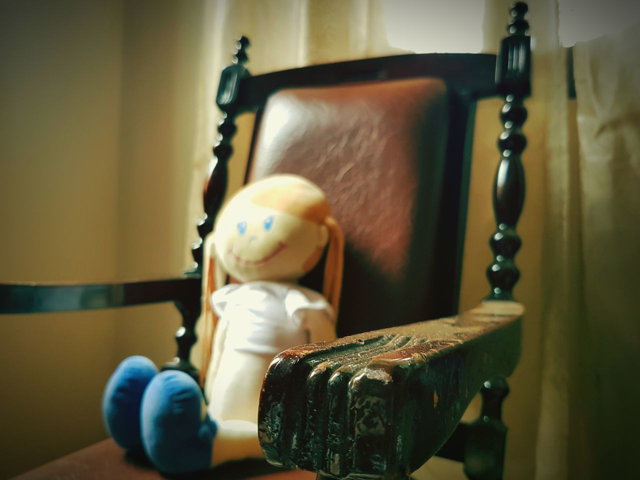 Indoors  Necklace Antique Wood - Material Old-fashioned No People Figurine  Close-up Doll Chair Armchair Shadows & Lights Retro Styled Antique Classic Style Premium Collection Getty Images EyeEmNewHere TCPM Vintage Old-fashioned Toys Break The Mold Children Kids