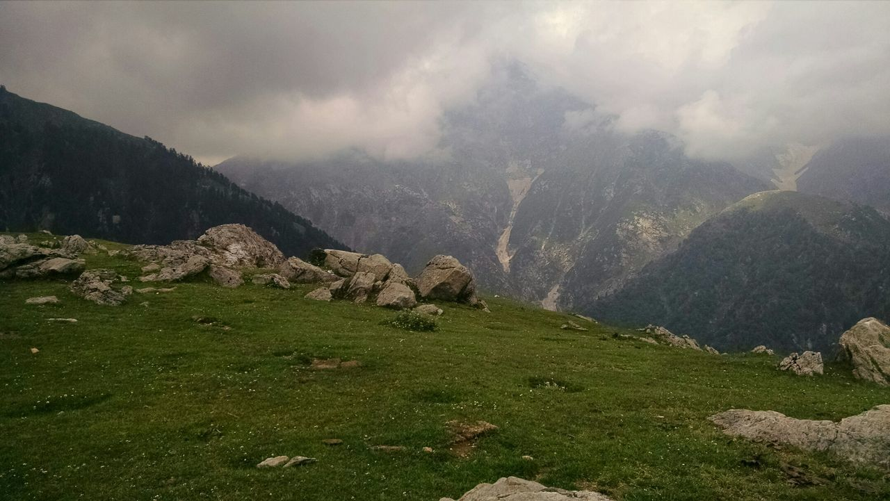 Dhauladhar The Great Himalayas Eye Em A Traveller Triundtrek Himachalpradesh EyeEm Best Shots - Landscape Viewfromthetop Amazing View