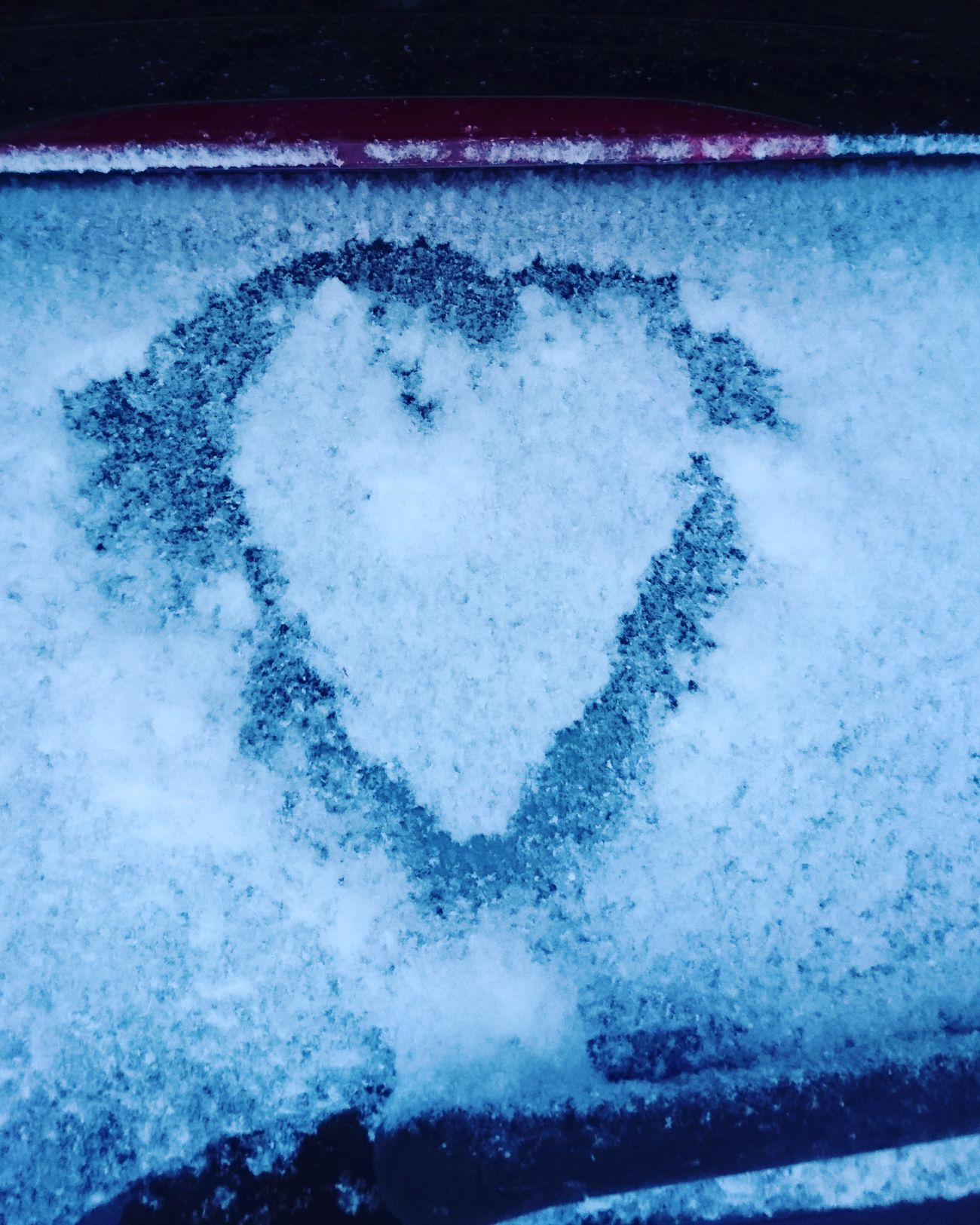 Snow Heart On Car  Who?  Cute