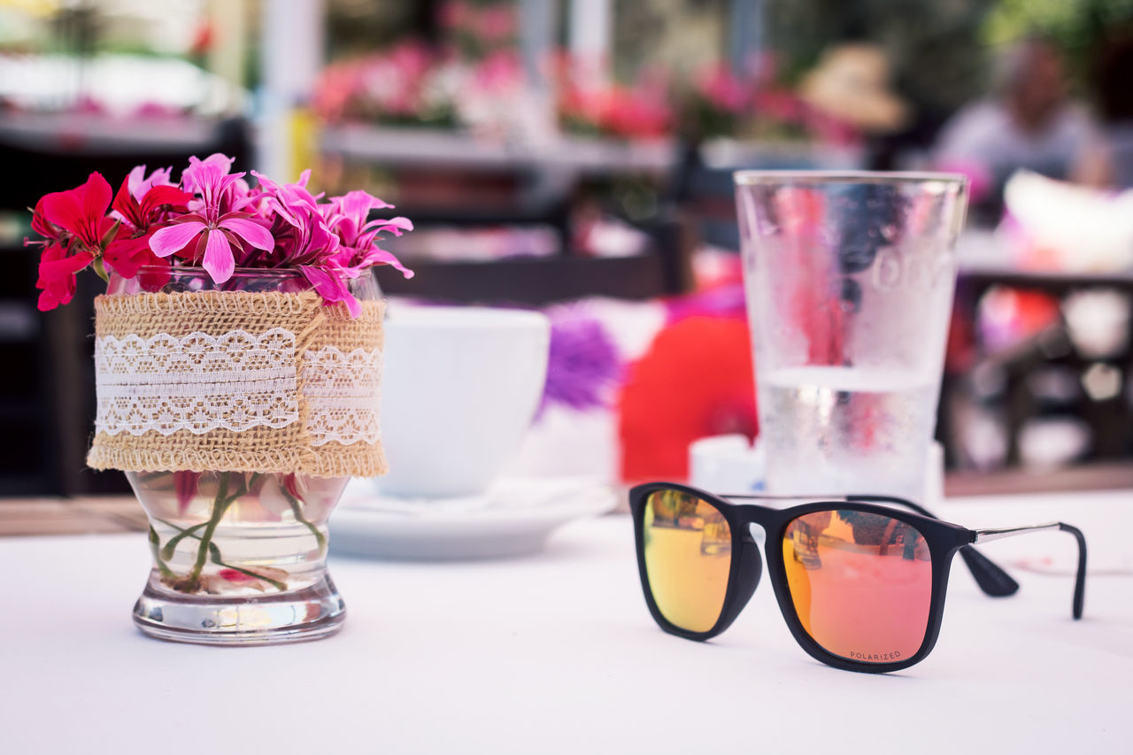 Close-up Day Flower Focus On Foreground Food Food And Drink Freshness No People Sunglasses Table