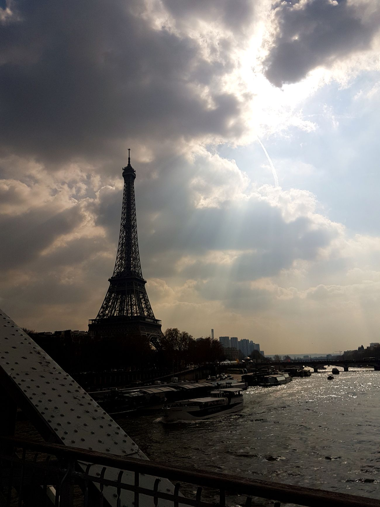 Hello France ! Paris France Eiffel_tower  Laseine Fleuve March Sun Cloud Beautiful History Tourist Attraction  Travel Photography