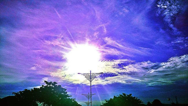 Love the purple colour..😘😘 Enjoying The Sun Vscocam VSCO Sun_collection, Sky_collection, Cloudporn, Skyporn Sunset #sun #clouds #skylovers #sky #nature #beautifulinnature #naturalbeauty #photography #landscape EyeEm Best Shots - Nature EyeEm Best Shots - Sunsets + Sunrise Eyem Best Shots Creative Power Picoftheday