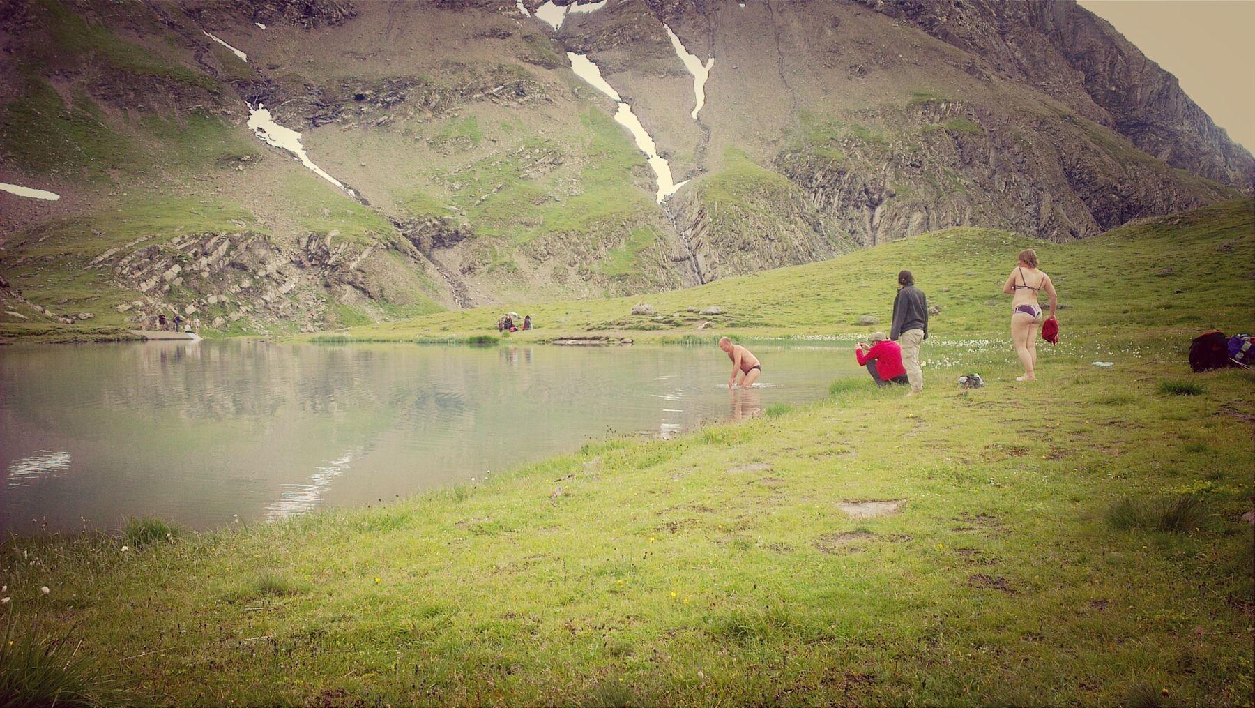 Bergsee Badespaß? Bibber Swimming
