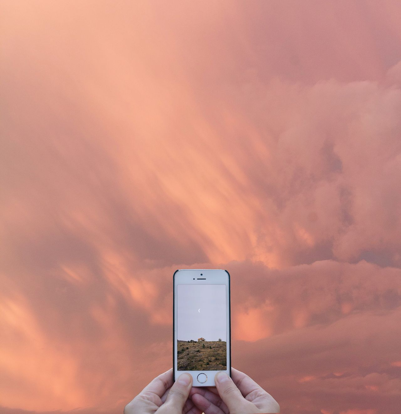 Break The Mold Cloud - Sky Nature Sunset Personal Perspective Landscape Sky And Clouds The Week On EyeEm Nature_collection Minimalism Sky_collection OpenEdit Smart Phone Best EyeEm Shot
