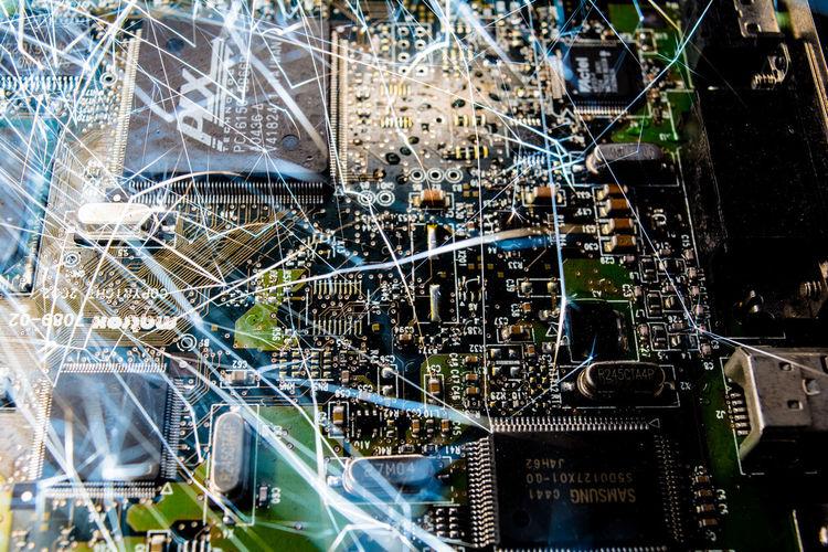 Brennende Grafikkarte Burning Graphic Card Computer Computer Intern Funken Funkenflug Grafikkarte Graphic Card No People Sparkling Grafic Card