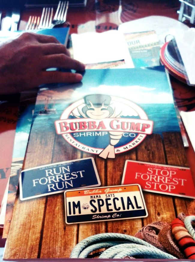 Having lunch at Bubba Gump Shrimp Co. Bubba Gump Shrimp Co. Collection Forest Gump Freshness Large Group Of Objects Menu MOVIE Restaurants Text