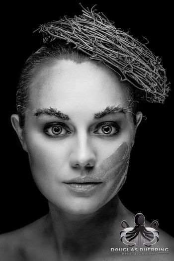365 days/365 portraits. Twiggy. 332/365 Proud to be sponsored by Mad Viking Beard Co. Women Beauty Exceptional Photographs Portrait Studio Shot Fashion Model Headshot Balance And Composure Duerringesque EyeEm Selects EyeEm Best Shots Photographic Memory Popular Photos 365project Duerringphoto Monochrome_life Photographylovers EyeEm Gallery Eye4photography  365project2017 The Week On EyeEm EyeEmBestPics Fashion Black And White first eyeem photo