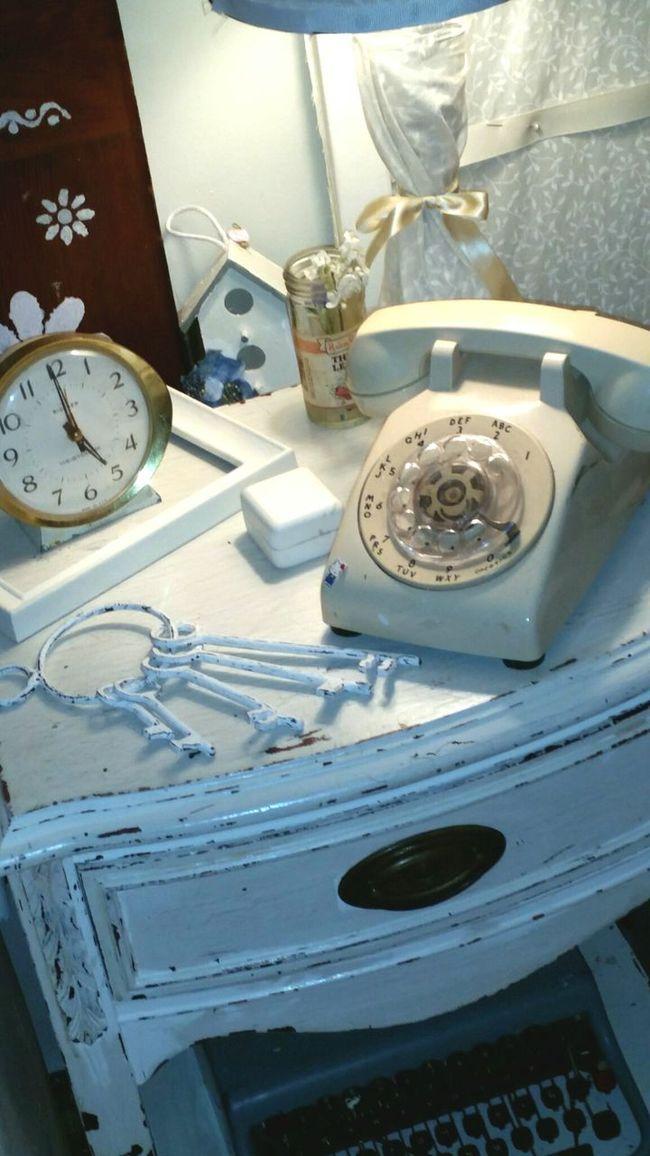 USA Bucks County Pennsylvania My Bedroom My Vintage Clock My Vintage Typewriter My Vintage Phone Skeleton Keys Interior Design Interior Views