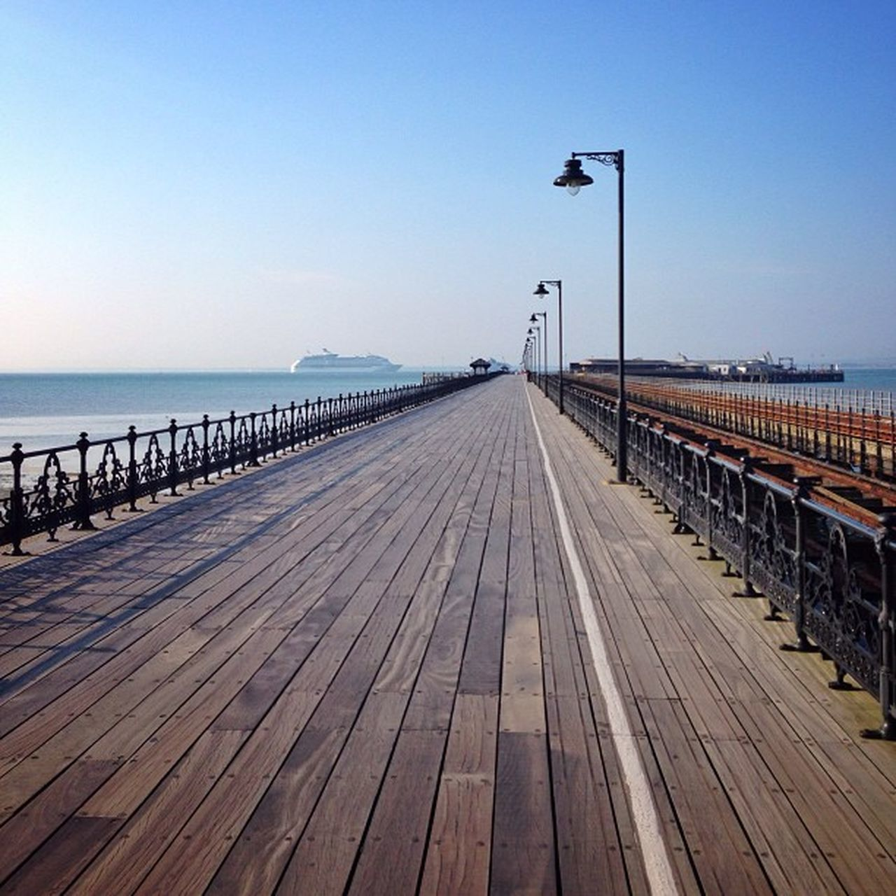 Another checkpoint, #Ryde pier. Over half a mile long #pier on #IsleOfWight ☀️???☀️ #royalisland #extremedepth #aauk #allshots_ #ic_water #ic_cities #ig_england #capture_today #yourturnbritain #englishchannel #gf_uk #gi_uk #gang_family Aauk Capture_today Loveyoursummer Pier Yourturnbritain Englishchannel Gang_family Isleofwight Extremedepth Ic_water Top_masters Royalisland Ryde Allshots_ Ic_cities Instascoop Gf_uk Gi_uk Ig_england