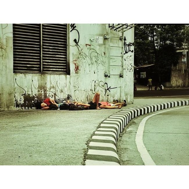 Strangers Streetstyle Streetphotography IGDaily Igmanila Photooftheday Mmda whats up!? katipunan ave.Unfit Earth