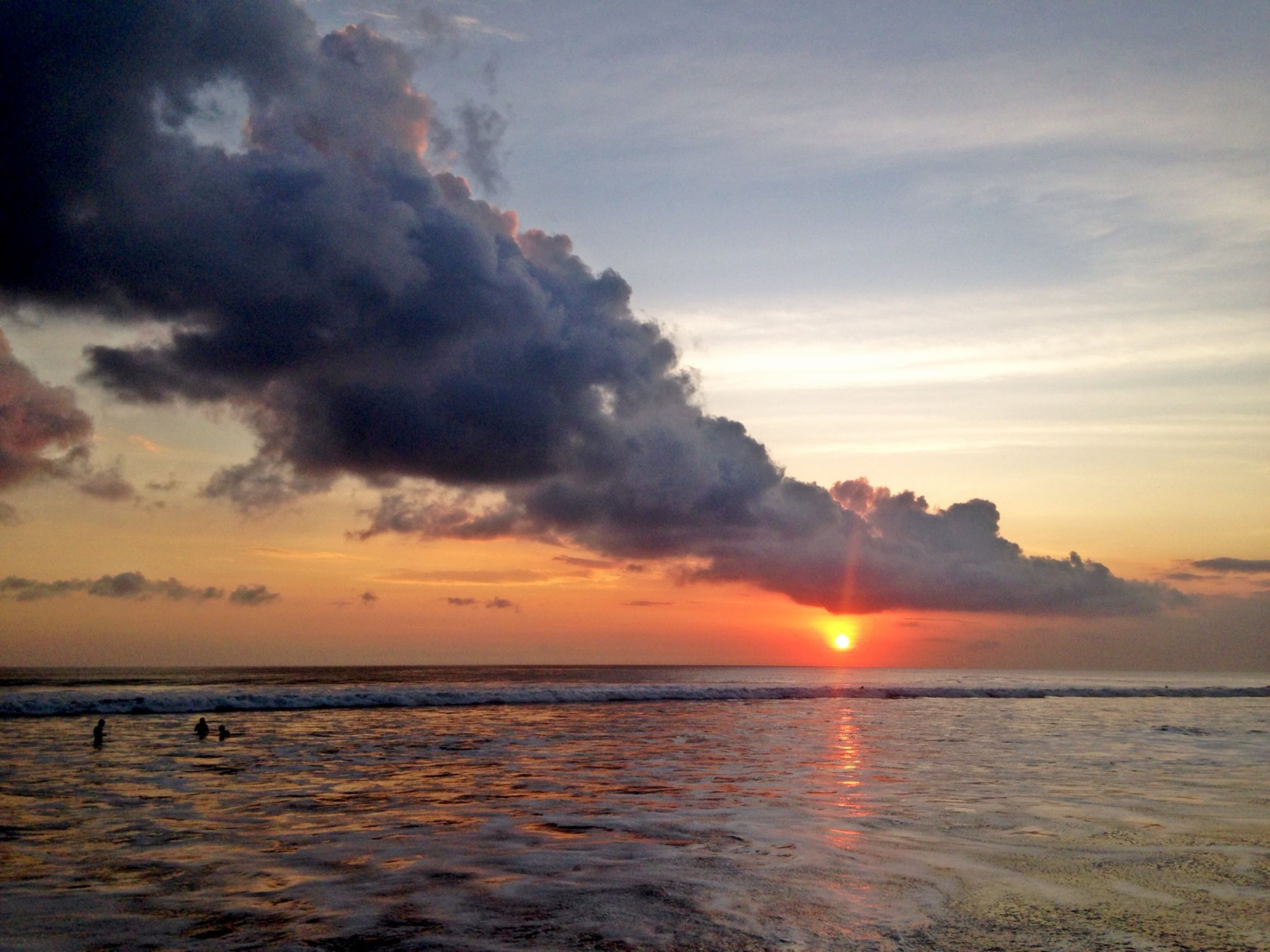 sunset, sea, water, scenics, sky, sun, tranquil scene, horizon over water, beauty in nature, tranquility, orange color, cloud - sky, idyllic, reflection, beach, nature, waterfront, cloud, sunlight, shore