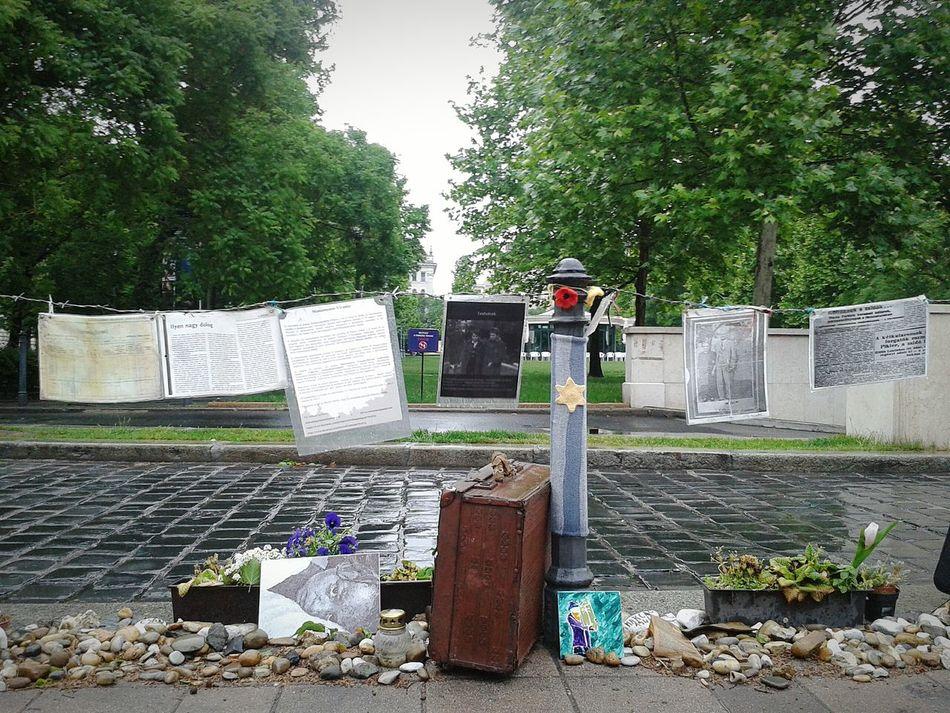 Budapest, Hungary Mermorial To The Murdered Jews Of Europe