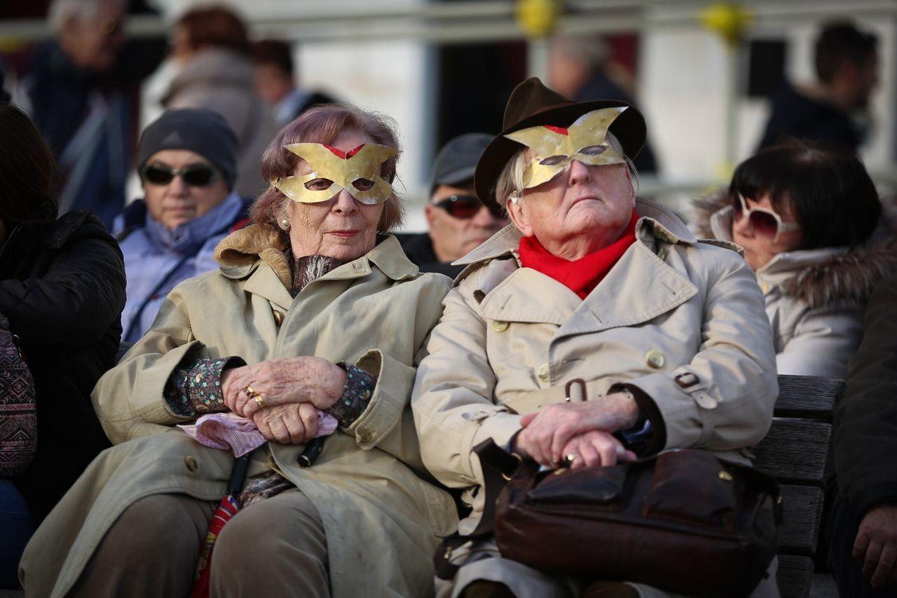 senior adult, senior men, real people, men, togetherness, sitting, day, outdoors, people