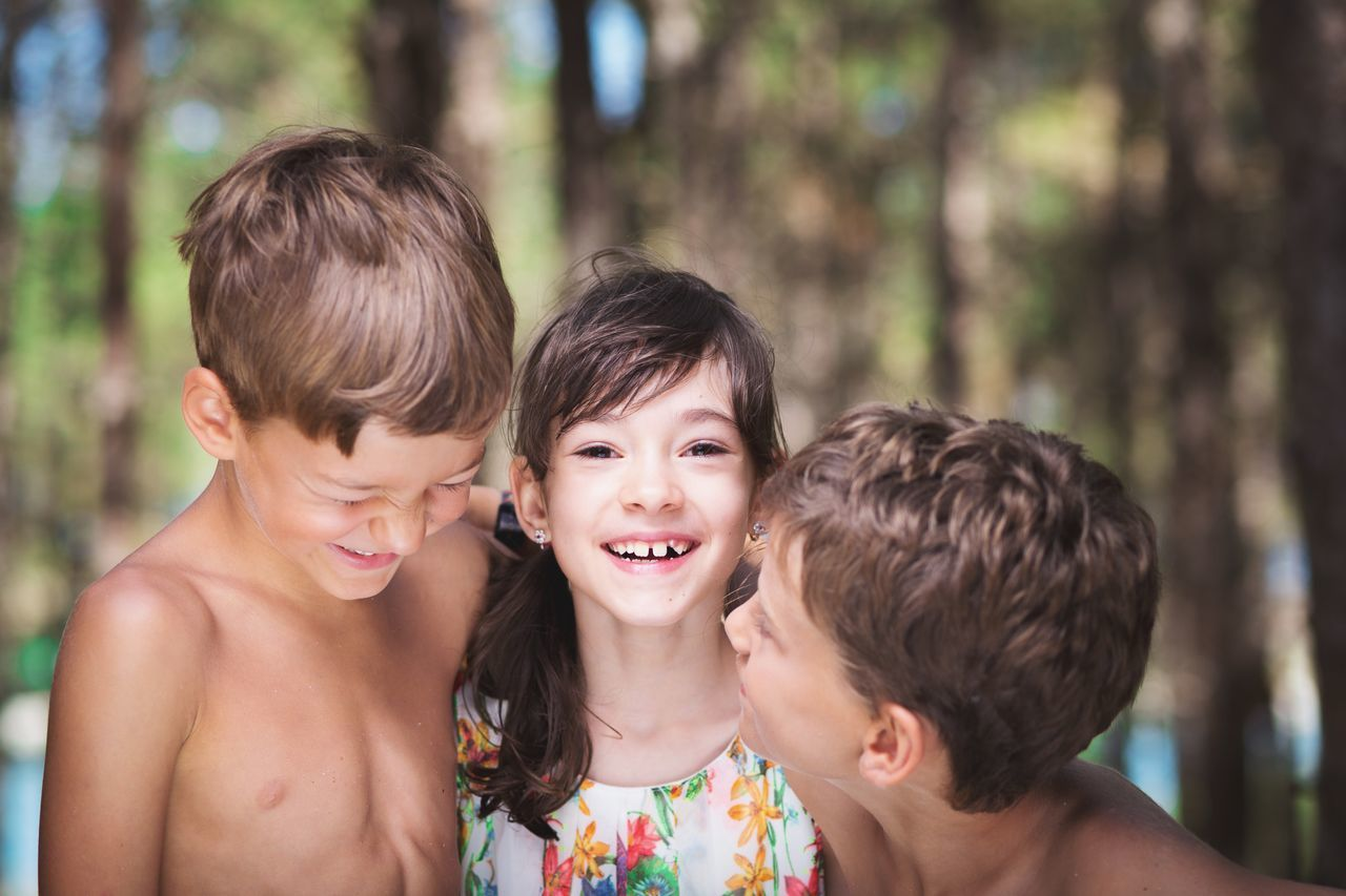 Capture The Moment Children Happy Loughing Carefree Kids Summer Childhood Cute Beautiful INEEDNATURE THESE Are My Friends