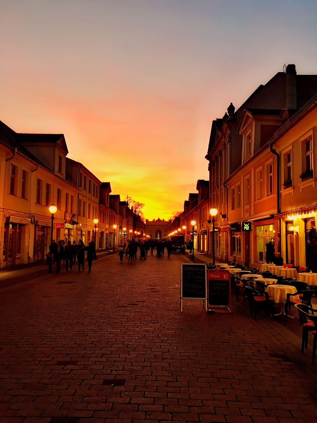 Potsdam Brandenburger Straße Sonnenuntergang Stadt Architecture Sunset Built Structure City Street City Life Orange Color Town Square Fußgängerzone The Architect - 2016 EyeEm Awards Street Photography The City Light
