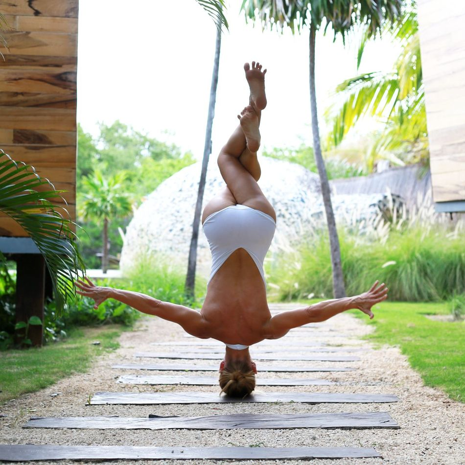 Beautiful stock photos of yoga, 45-49 Years, Balance, Carefree, Caucasian Appearance