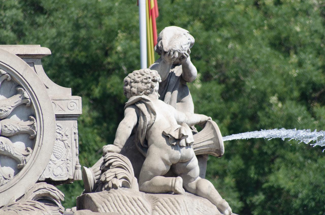 Arquitectura, escultura y parques de Madrid,querubines de la Cibeles detalle. 2013 Cibeles Close-up Day Eddl Madrid No People Outdoors Sculpture Statue