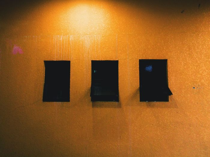 Windows wall No People Indoors  HuaweiP9plus Leicatechnology Mobilephotography Mobilephographer Huaweimobilemy Huaweimobile Huaweiphotography Minimalism Day Lowlight