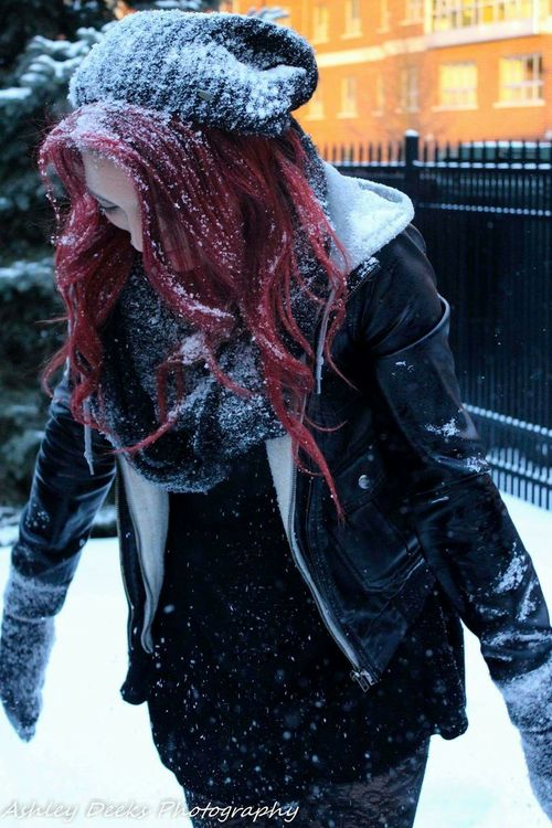Snow Portraits Students Campus Life College University Of Akron Portrait UofA Outdoor Photography Beautiful