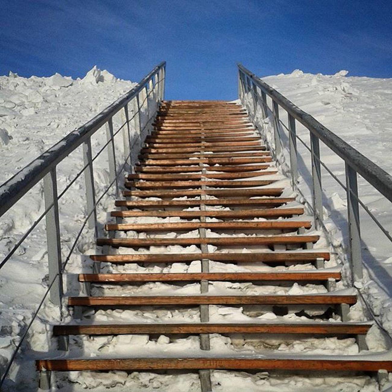 зима омск сибирь снег январь лестница сугроб Stair through the Drifts Snow Winter Omsk Siberia January