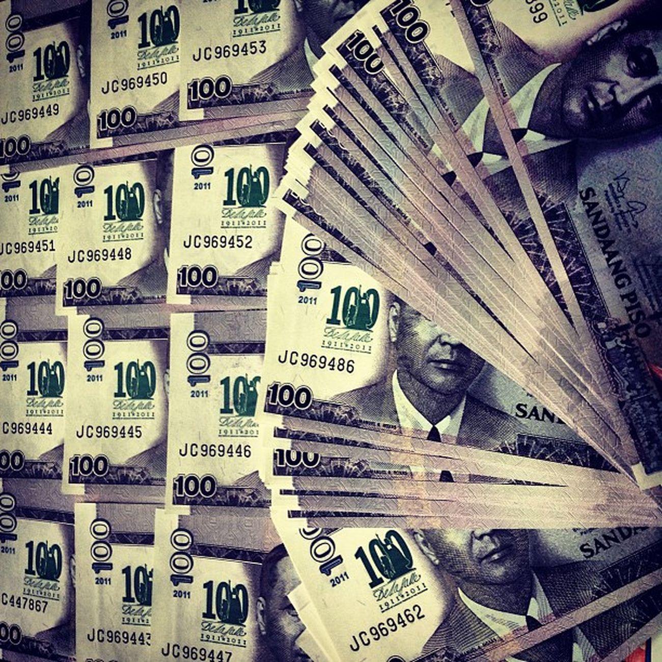 100 pcs of 100LaSalle commemorative 100-peso bill DLSU Delasalle Delasalleuniversity Lasalle centennial commemorative 100pesobill 100lasalle instapic instagram instagraphy themanansala photography