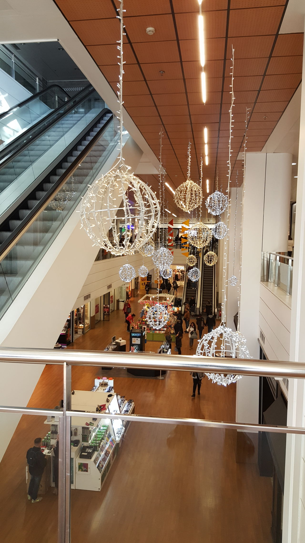 Christmas Decoration Shopping Center Business Fashion Stores Illuminated Reflection Stairs Mechanic Stairs Indoors  Day