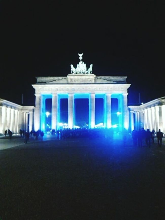 Capture Berlin Night Illuminated Architectural Column Blue Monument City Gate Outdoors City