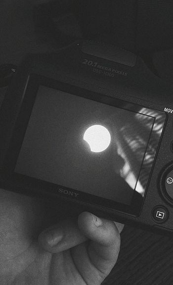 Solar Eclipse Eclipse 2017 Camera Solar Eclipse 2017 Technology Close-up Indoors  Human Hand Human Body Part One Person People One Man Only Adult Only Men Adults Only Day