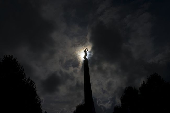 Nike Säule Cloud - Sky Cloudscape Cloudy Low Angle View Luxembourg Streetphotography Luxembourgcity Moody Sky Nike✔ Outdoors Outline Scenics Silhouette Sky Statue