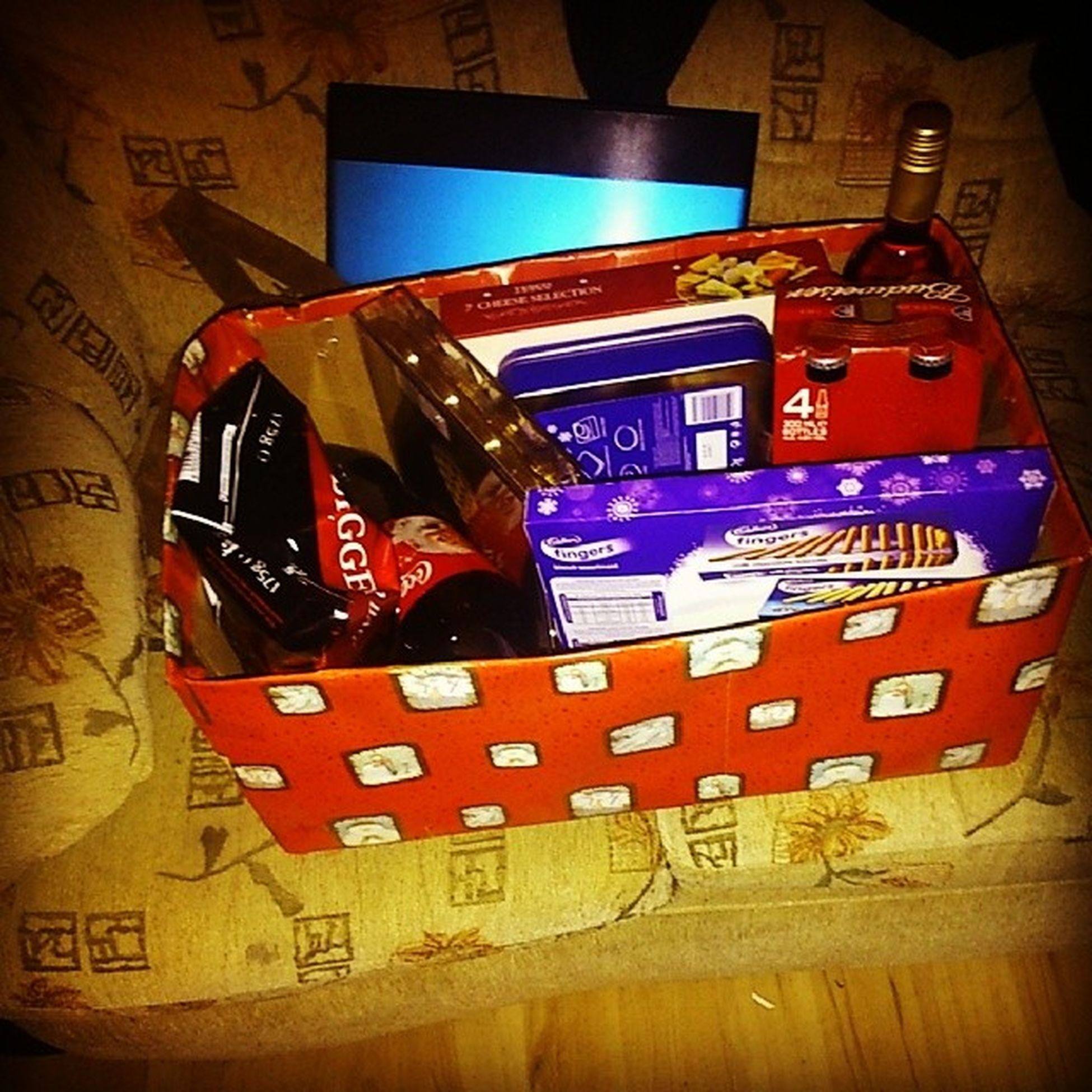 Our landlord is the absolute cutest!!!!!!! Christmas Pressie Wineandcheese Fancy
