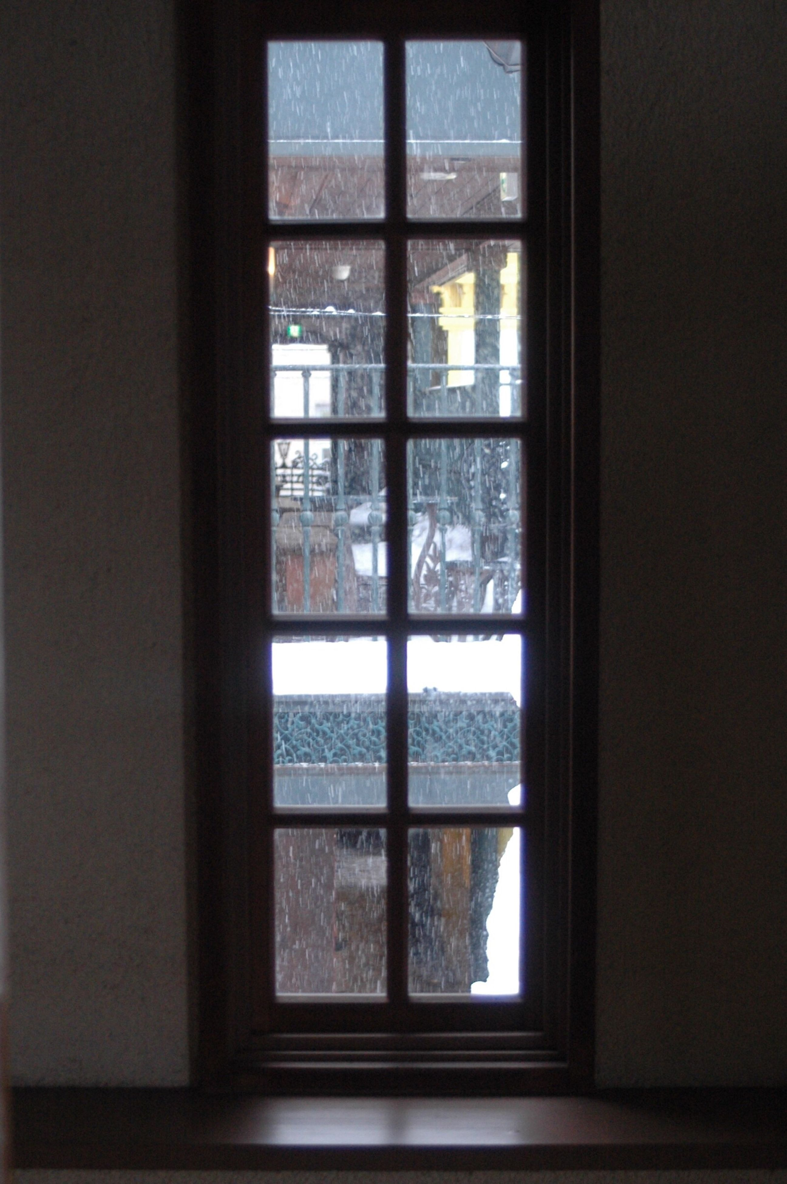 window, indoors, transparent, day, architecture, built structure, no people, domestic room, frosted glass