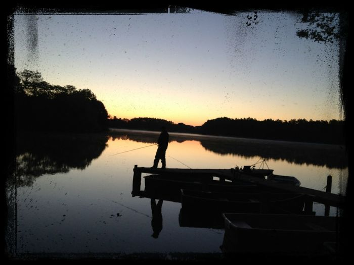 Sunset Silhouettes Gone Fishing Water Reflections Early Morning das sind wunderbare Momente
